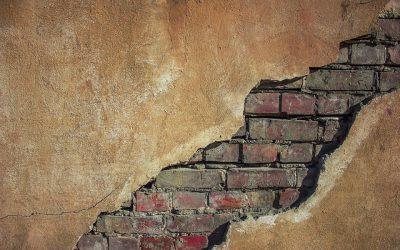 Een kleine scheur in de muur, heb ik betonschade?